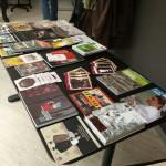 stol z knjiz