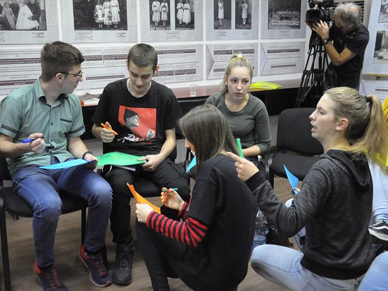Interkulturalni dijalog Home